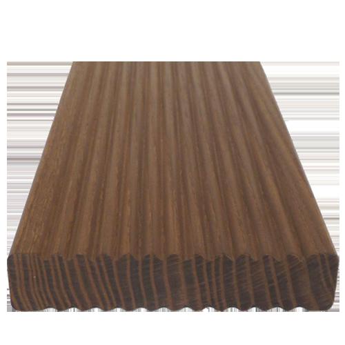 Barna színű fa teraszburkolat