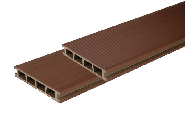 BergDeck teraszburkolat - Gesztenye barna natúr felület