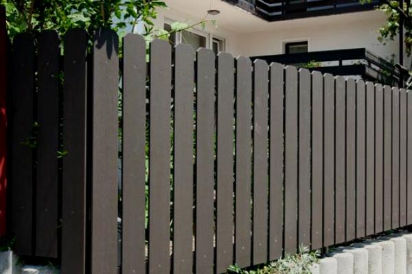 Kerítés Tömör WPC profilból